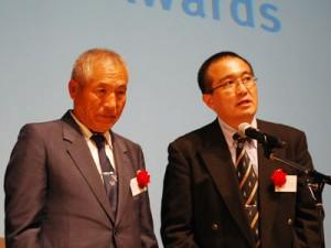 牧之原市片浜区長の森田良晴氏(右)と市民ファシリテーター