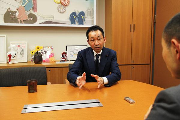 写真3 福田峰之衆議院議員