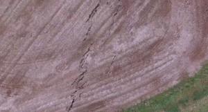 国土地理院が熊本地震の被害の様子をドローンで撮影し公開、地震発生のメカニズムの解明に活用