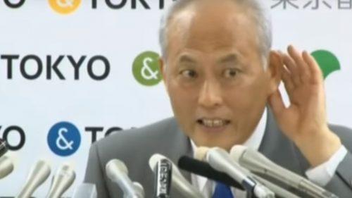 会見で釈明に追われる舛添知事(THE PAGEがYouTubeに公開している記者会見の動画より)