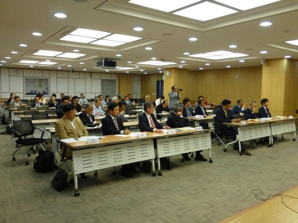 会場となった韓国議員会館セミナー室