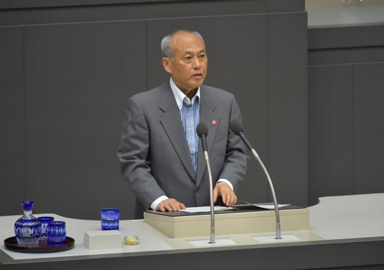 都議会定例会で答弁に立つ舛添知事(2016年6月7日、東京都ホームページより)