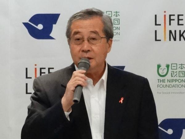 挨拶する尾形日本財団理事長
