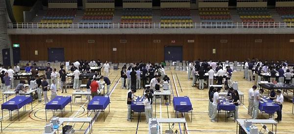 参院選での開票作業の様子