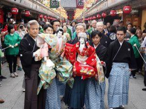 浅草で伝統芸能アピール、人形浄瑠璃文楽で初めての「お練り」