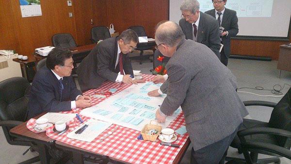 久慈市議会の委員会での議員間討議