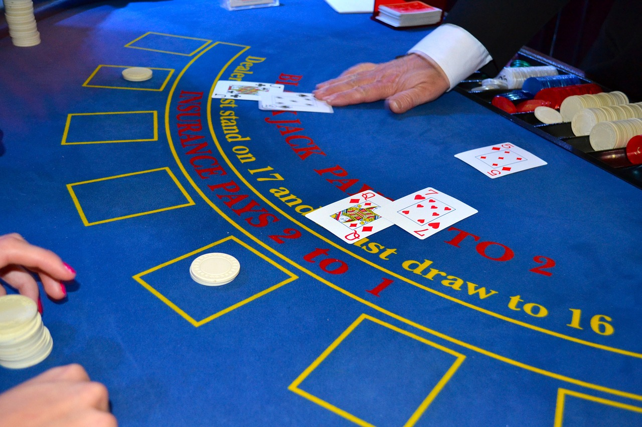 カジノ法成立、「解禁・誘致ともに反対」が4割超