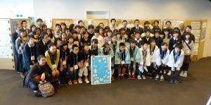 小学生が自分たちの地域を取材―「うみやまかわ新聞2016年度版」完成