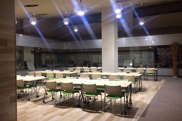 リノベーション後の図書館学習室