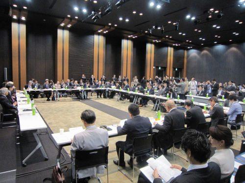 4月19日に開催された、「第2回 医療と介護の連携に関する意見交換」