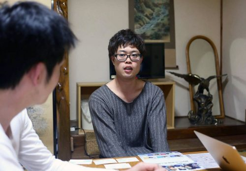 昨年5月に新しく青年団団長に就任した筒井渉氏(25)