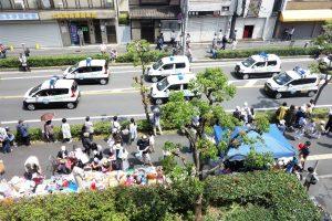 地域住民の安心安全を守る青パト14台がパレード―東大阪市ふれあい祭り