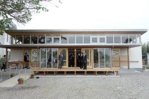熊本復興へ、障害者支援施設に仮設住宅完成