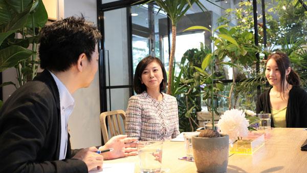 左から田中匠身渋谷区議会議員、斉藤区議、福寿代表