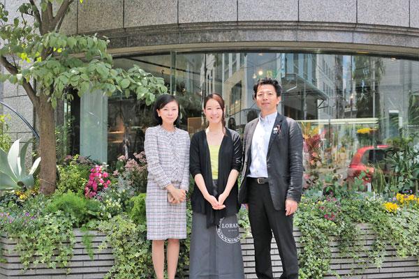 左から斉藤区議、福寿代表、田中区議