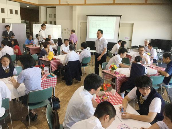 岩手県久慈市議会:高校生と議員の対話の場
