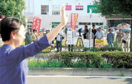<仙台市長選>応援対応、与野党違い鮮明