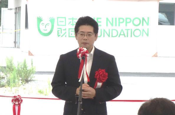 あいさつをする海野光行・日本財団常務理事