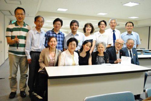 ヒバクシャ国際署名プロジェクトの皆さま。上段右から3番目が林田さん