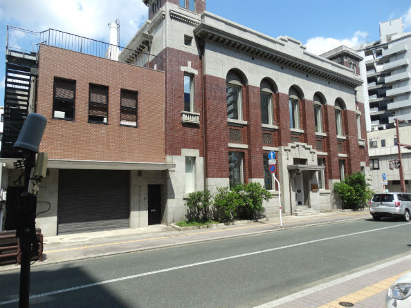 唐人町通りのシンボル、旧第一銀行熊本支店の建物