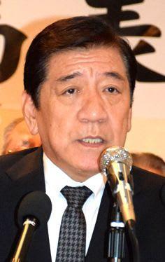 桑江氏が出馬表明 「さらに前へ発展」 沖縄市長選