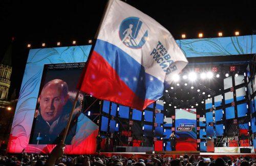 ロ大統領選、プーチン氏圧勝4選 7割超得票、任期24年まで
