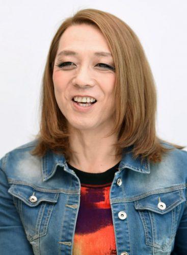 「女性装」東大教授出馬へ 埼玉県東松山市長選