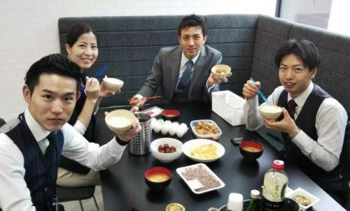 自発的に食材を持ち合って、皆にふるまう朝食サービスもまさに利他の精神そのもの