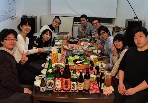 わげさこハウス主催で2015年12月に開催した食事会の様子