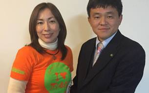 (左)上田代表、(右)松本和光市長