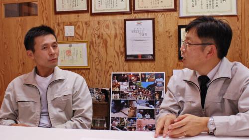 代表取締役・横川総一郎さんと二代目棟梁・有馬茂さん2