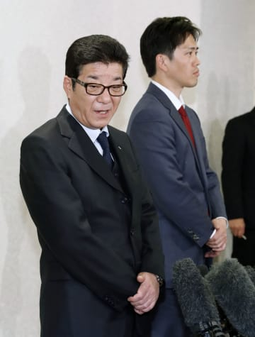 大阪府知事と市長、辞職も選択肢 都構想に向け統一選と同日選検討