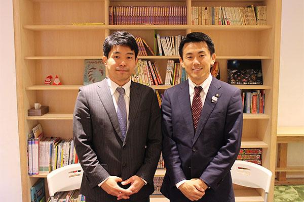 日本財団の本山勝寛氏(左)と菅原市長(右)
