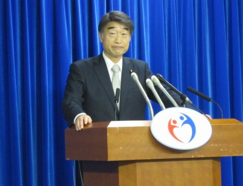 12月17日に、麻生太郎財務大臣との間でなされた2019年度予算編成の折衝後、記者会見に臨んだ根本匠厚生労働大臣
