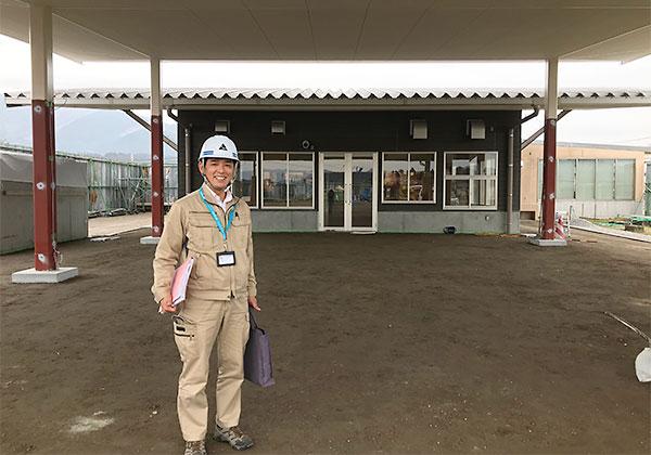 えびの市畜産農政課農政企画係 係長 高佐伸也さん(道の駅にて)